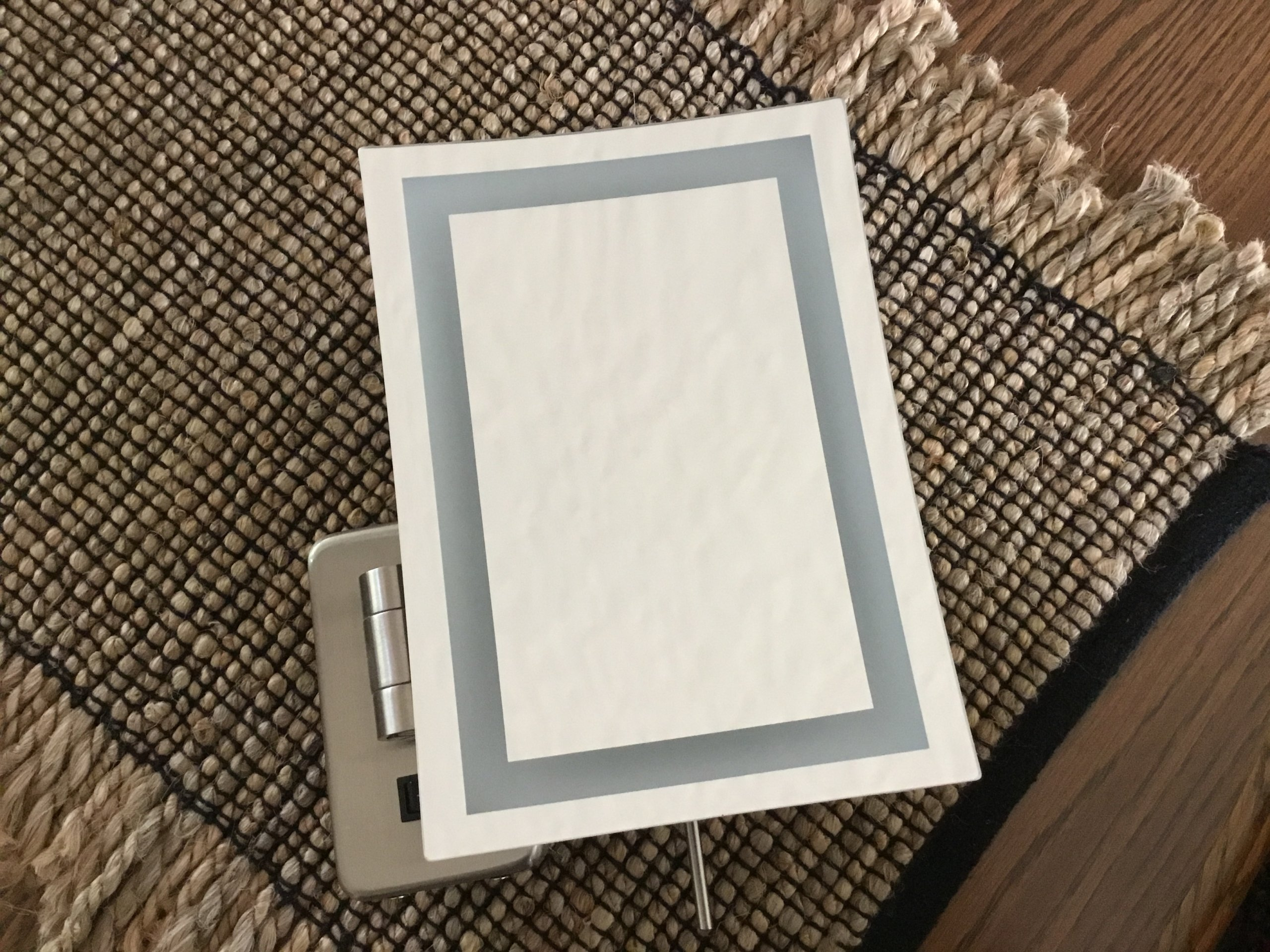 Magnifying Lighted Makeup Mirror